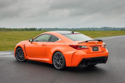 2015 Lexus RC F Rear on track