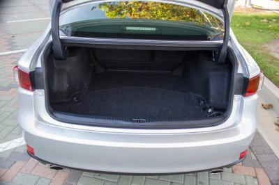 Lexus-IS-350-Trunk