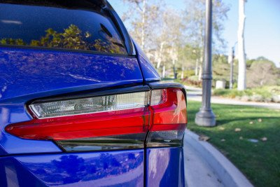 Lexus-NX-200t-tail-light